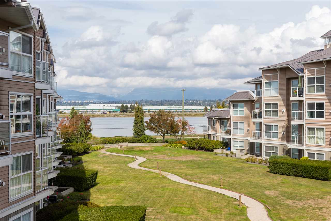 328 5880 DOVER CRESCENT, 2 bed, 2 bath, at $549,000