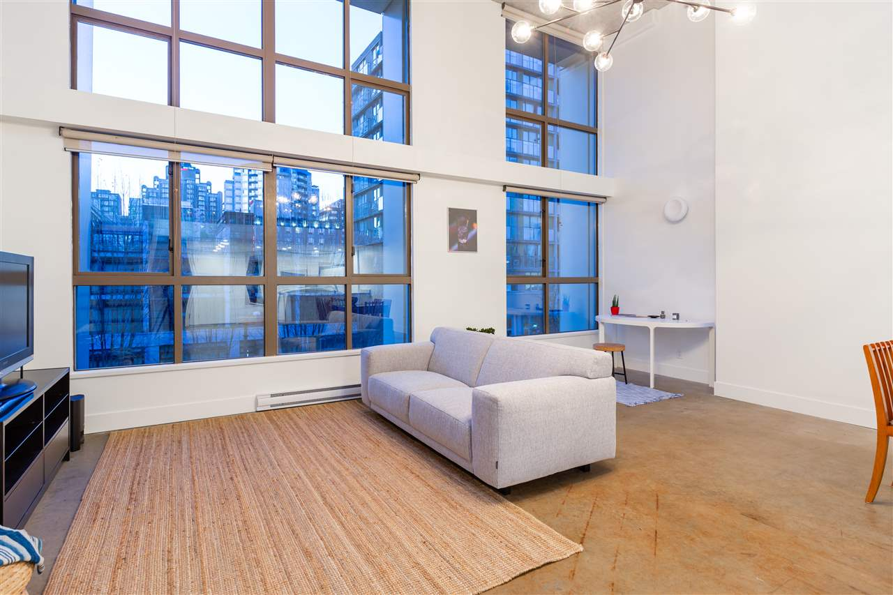 310 1238 SEYMOUR STREET, 1 bed, 1 bath, at $899,000
