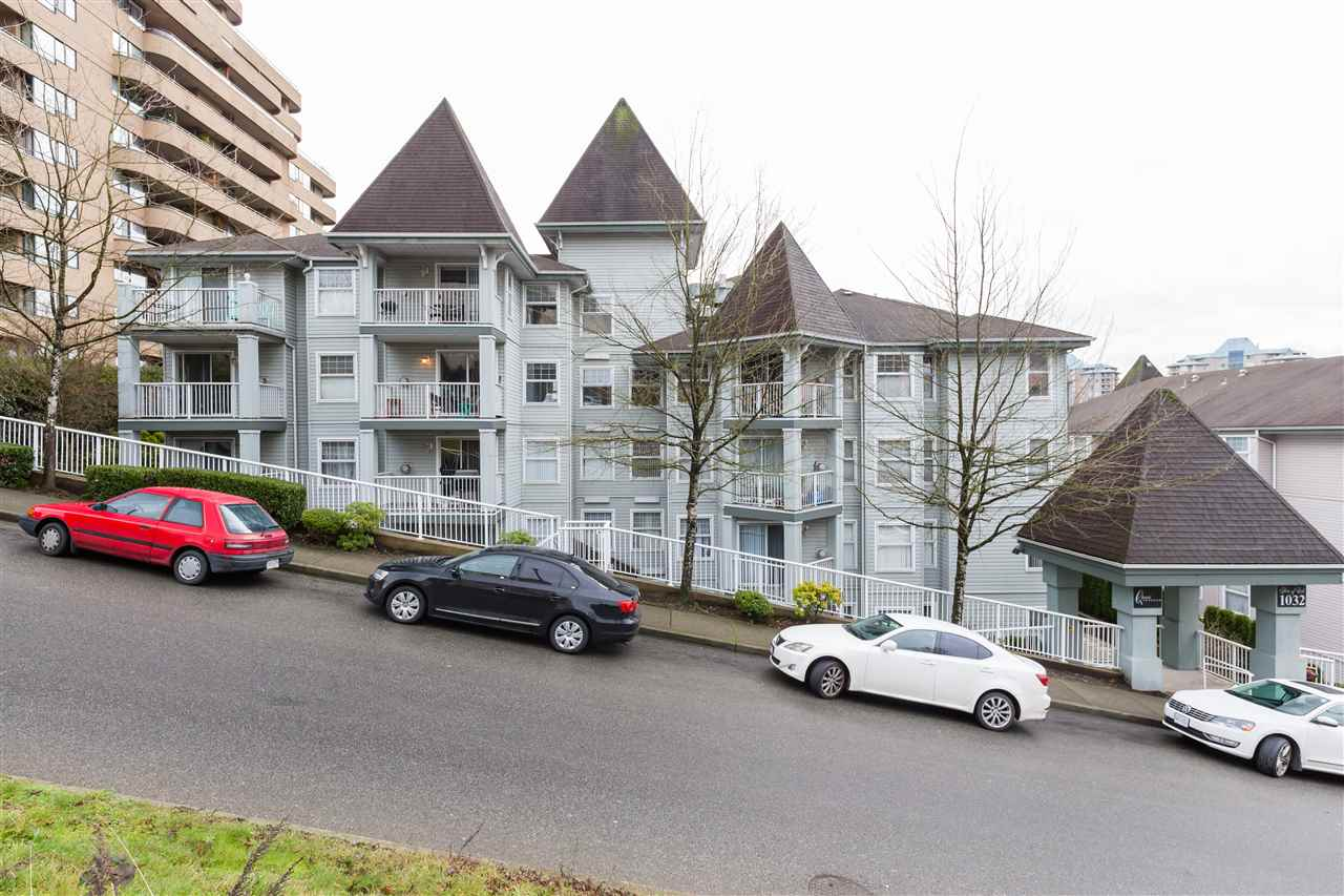 604 1032 QUEENS AVENUE, 2 bed, 2 bath, at $499,800