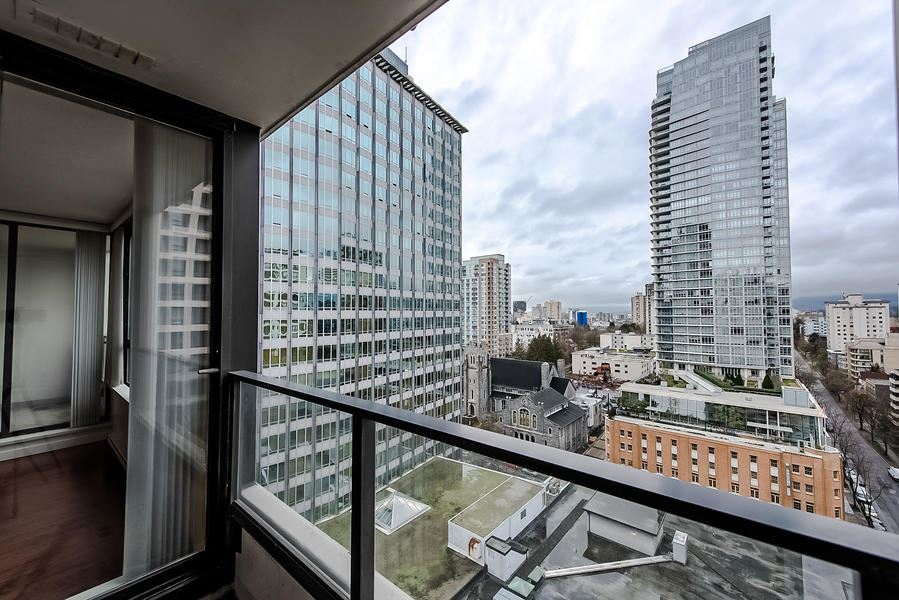 1607 938 SMITHE STREET, 2 bed, 2 bath, at $899,900