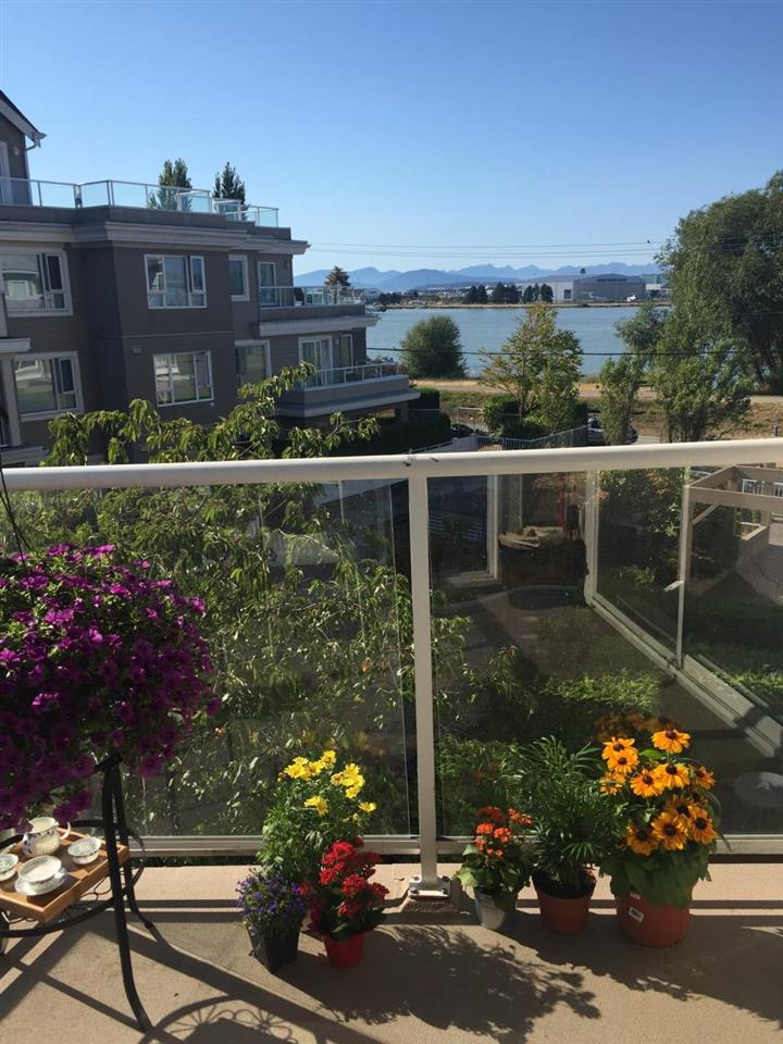 340 5880 DOVER CRESCENT, 1 bed, 1 bath, at $445,000
