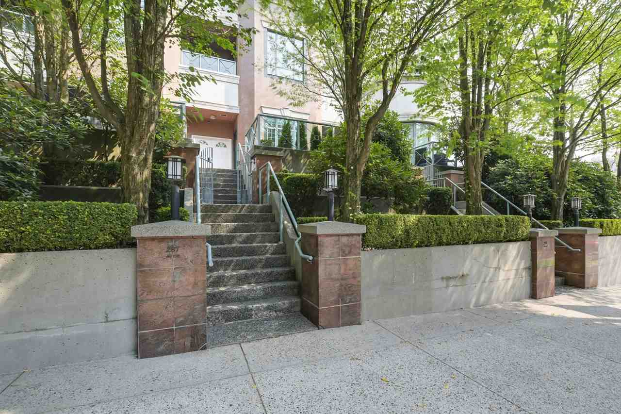287 SMITHE STREET, 2 bed, 3 bath, at $1,438,000