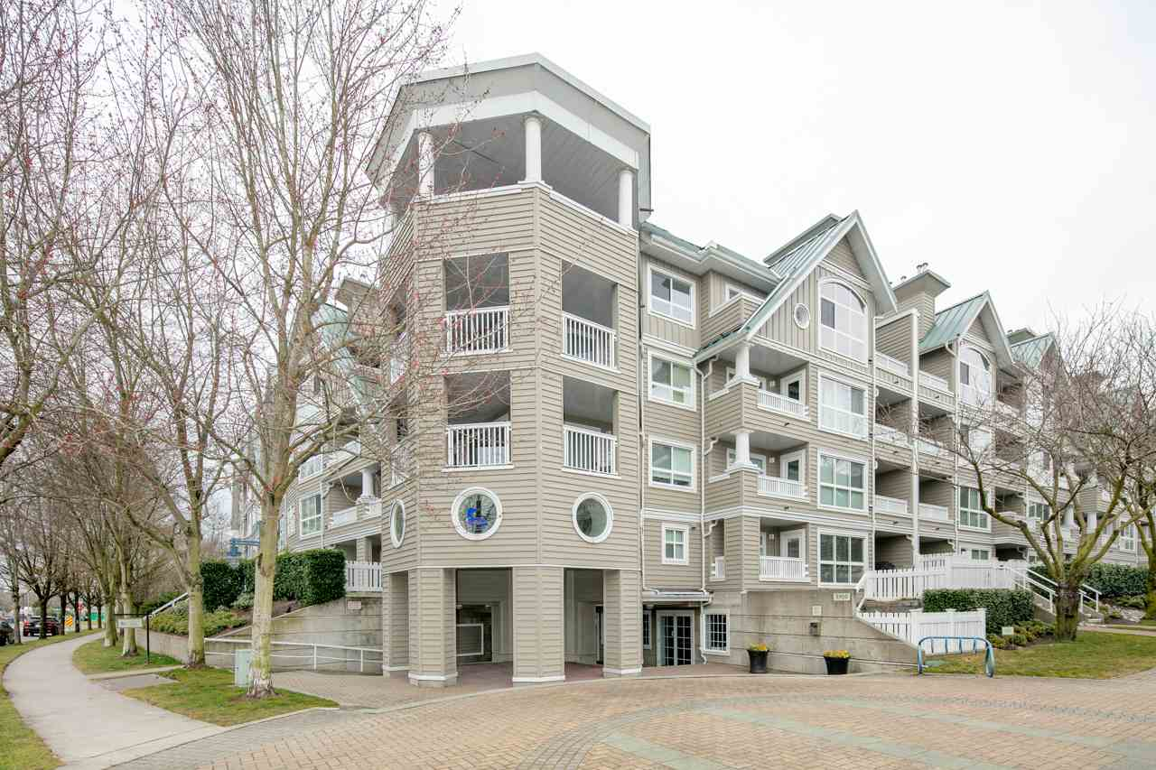 409 5900 DOVER CRESCENT, 1 bed, 1 bath, at $439,900