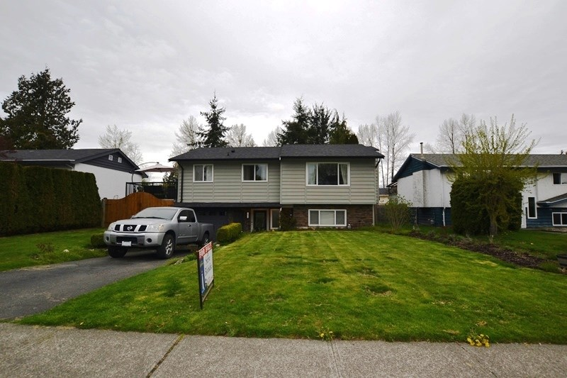 26571 32A AVENUE, 3 bed, 2 bath, at $739,900