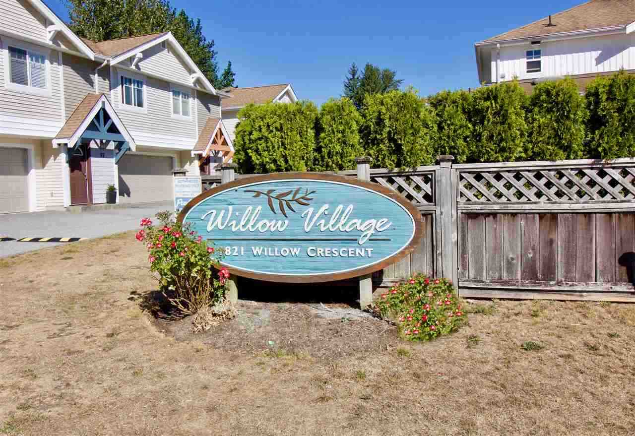 51 1821 WILLOW CRESCENT, 3 bed, 2 bath, at $609,000