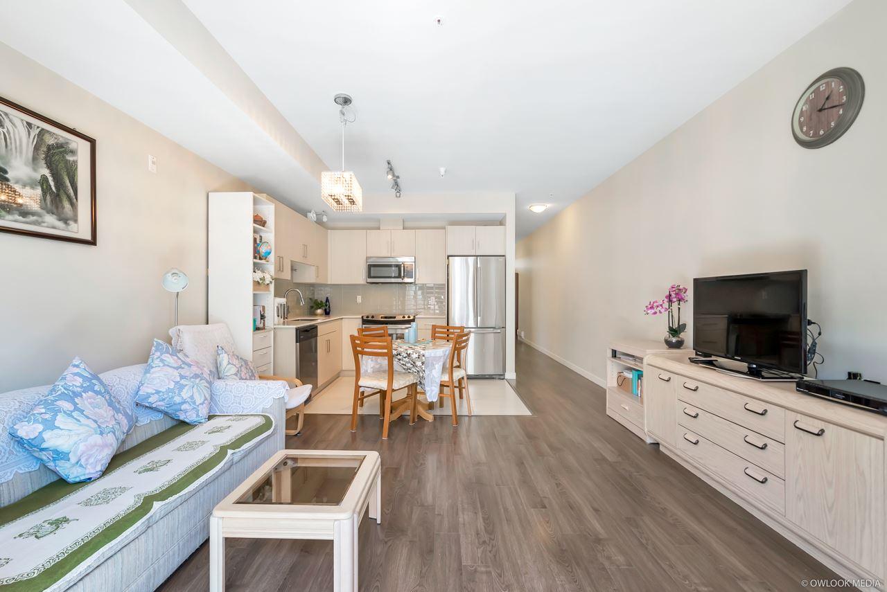 318 5288 GRIMMER STREET, 1 bed, 1 bath, at $453,000