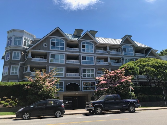 319 5500 LYNAS LANE, 2 bed, 2 bath, at $748,000