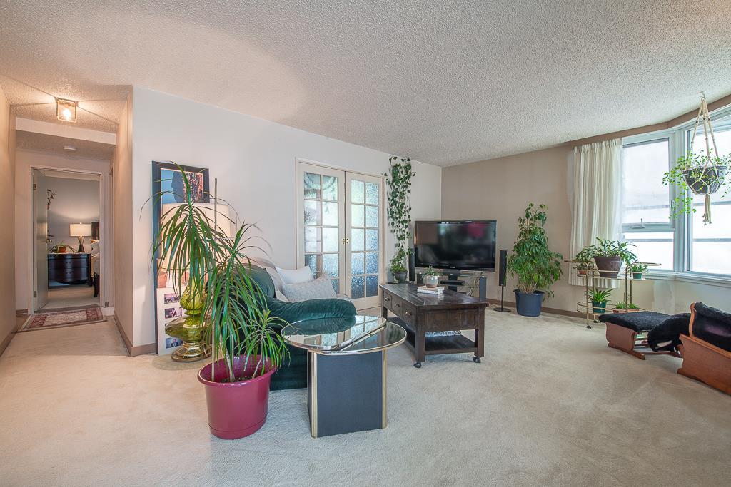 401 5790 PATTERSON AVENUE, 2 bed, 2 bath, at $599,900