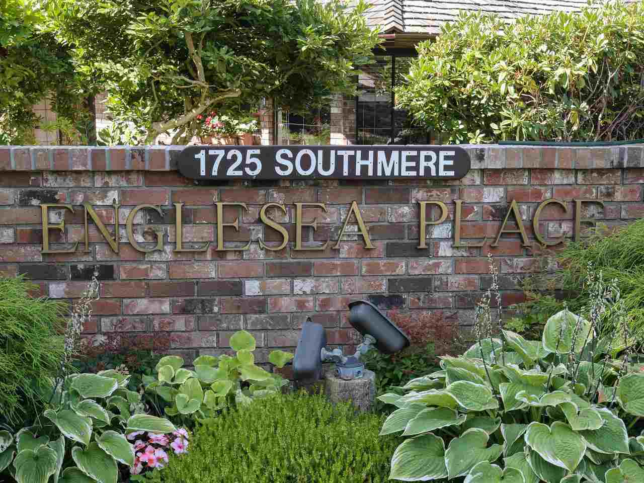 18 1725 SOUTHMERE CRESCENT, 2 bed, 3 bath, at $915,000