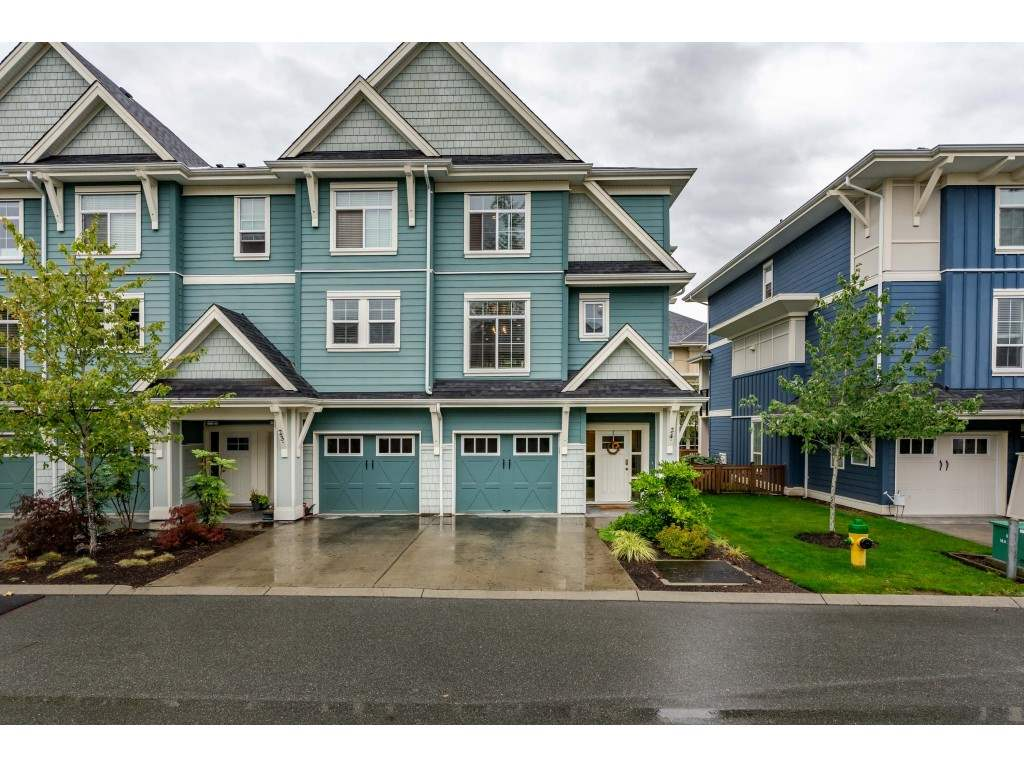 24 45290 SOOWAHLIE CRESCENT, 3 bed, 3 bath, at $489,900