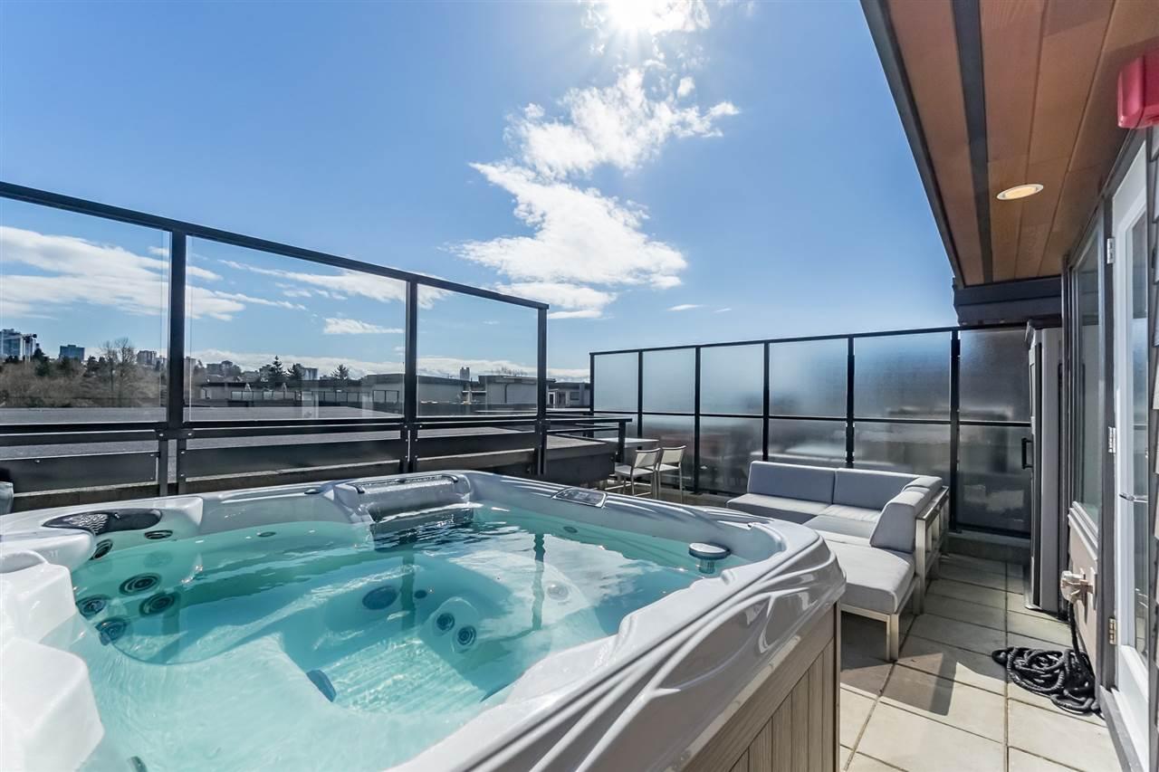 616 733 W 3RD STREET, 1 bed, 1 bath, at $684,900