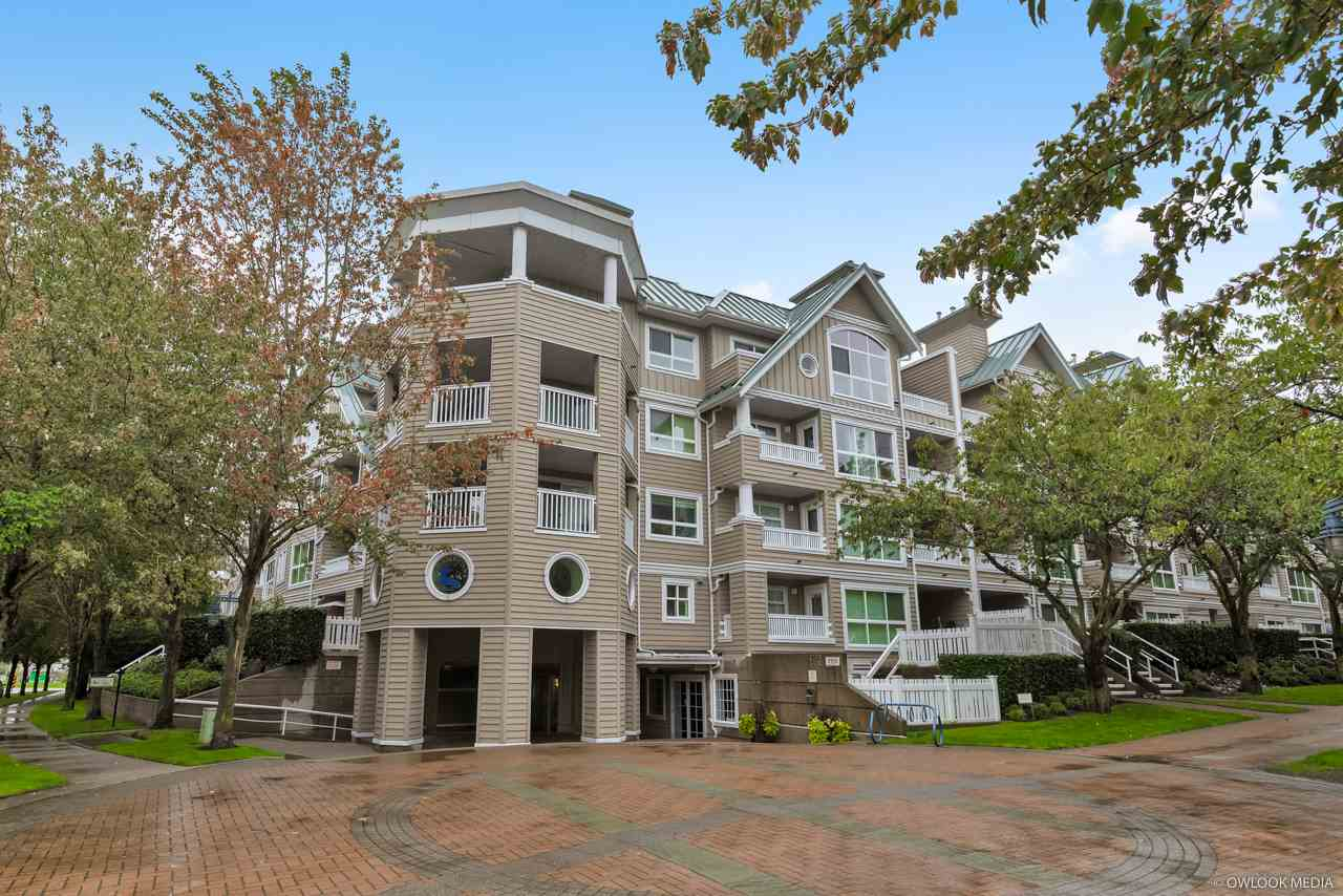 116 5900 DOVER CRESCENT, 1 bed, 1 bath, at $417,000