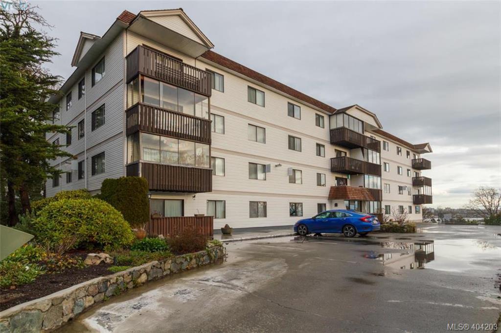 404 929 Esquimalt Rd, 2 bed, 2 bath, at $299,000