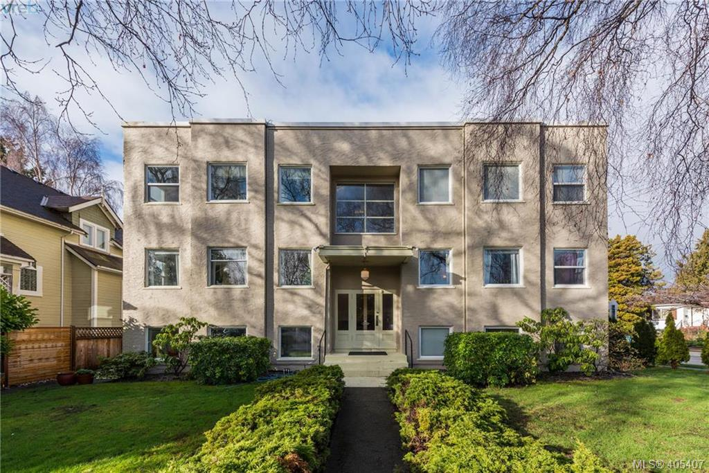 370 Richmond Ave, at $1,995,000