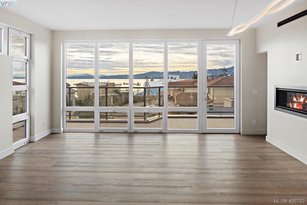 12 9667 First St, 2 bed, 3 bath, at $1,250,000