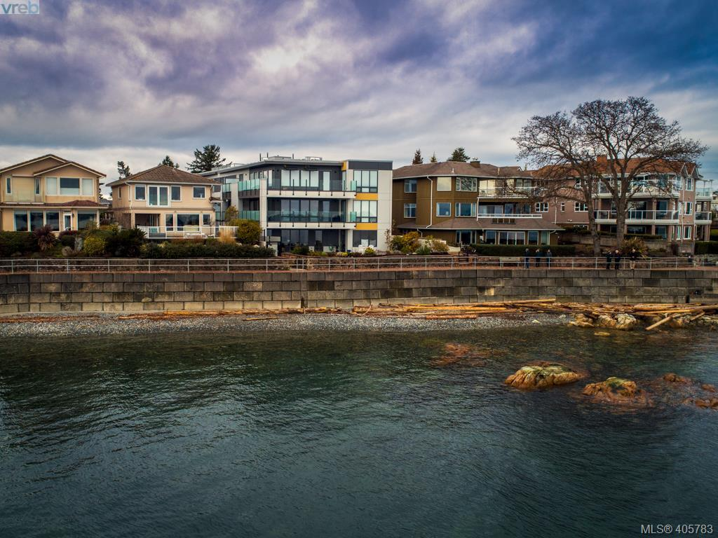 6 9667 First St, 2 bed, 3 bath, at $1,220,000