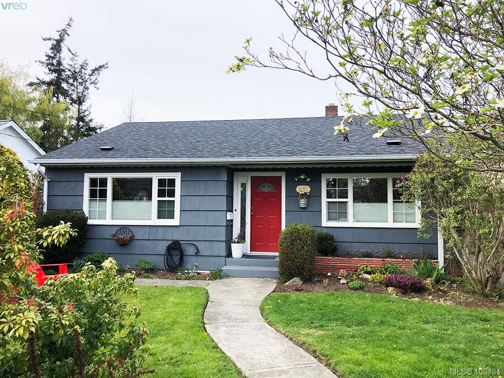 1892 Neil St, 2 bed, 1 bath, at $788,000