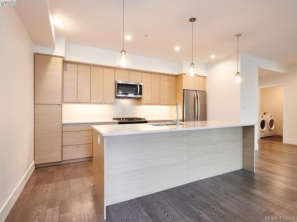 204 B 10670 Mcdonald Park Rd, 2 bed, 2 bath, at $495,000