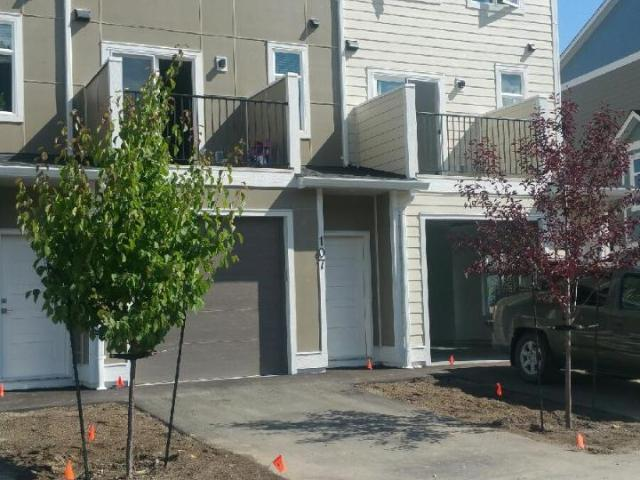 2 Storey Townhouse for Sale, MLS® # 152329