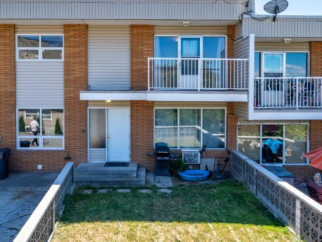 3 Level Split Townhouse for Sale, MLS® # 152651