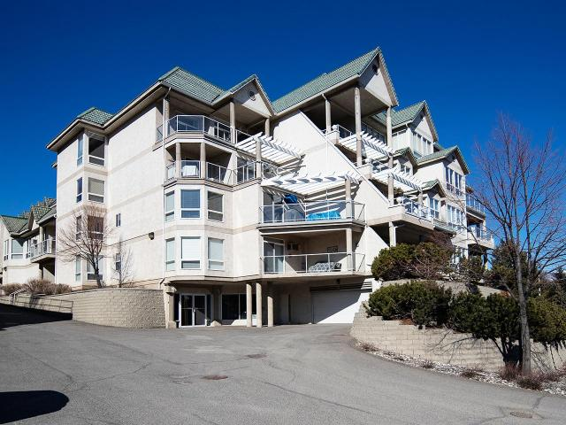 Rancher Style Apartment Style Condo for Sale, MLS® # 154928