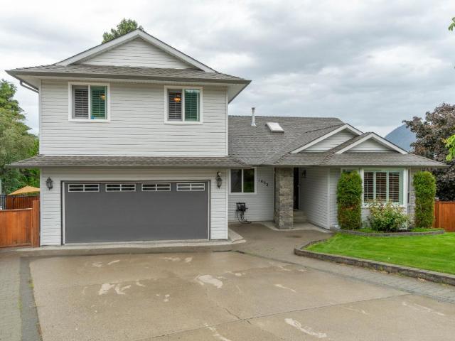 Real Estate Listing MLS 156954