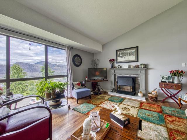 Real Estate Listing MLS 157618