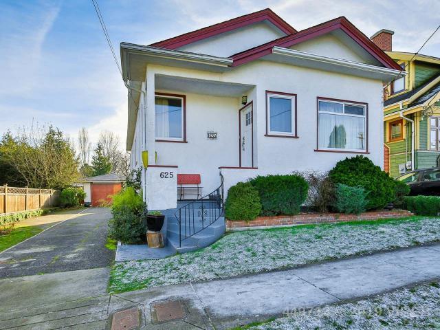 Real Estate Listing MLS 449713