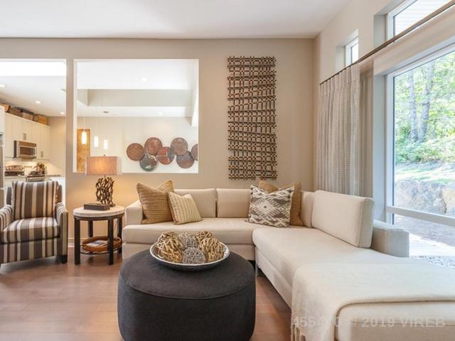 Real Estate Listing MLS 455470