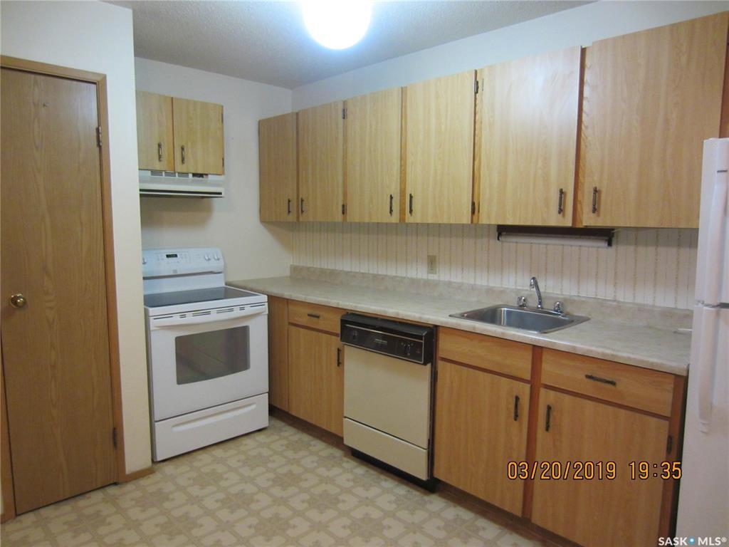 Real Estate Listing MLS SK763247