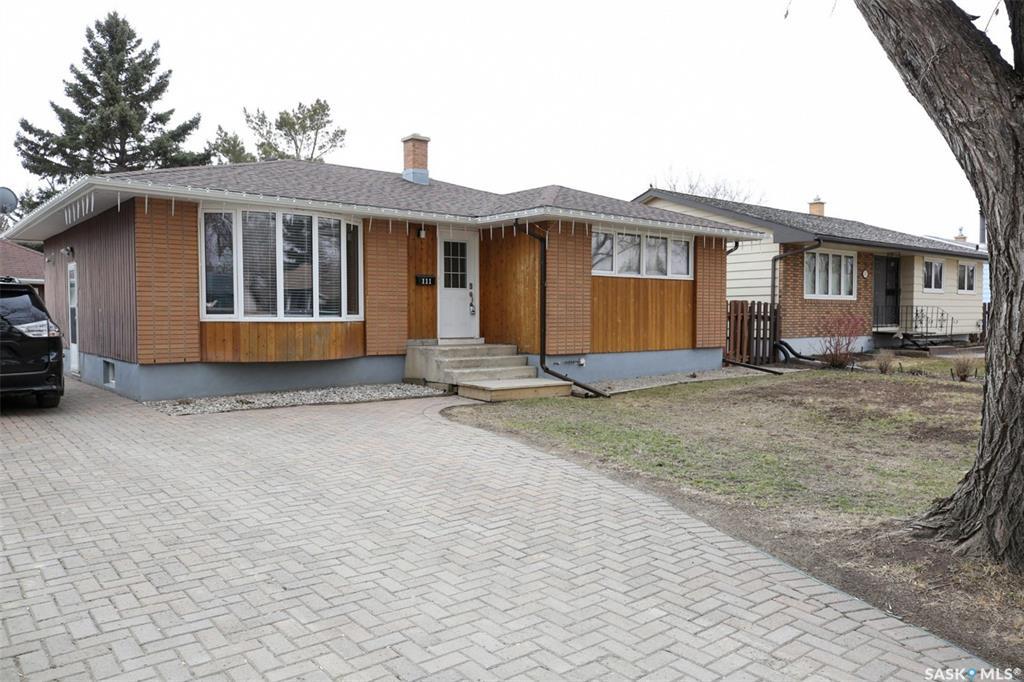 Real Estate Listing MLS SK766498