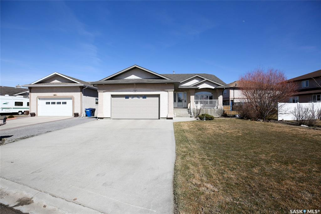 Real Estate Listing MLS SK767019
