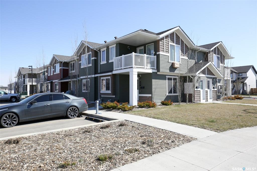 Real Estate Listing MLS SK771088