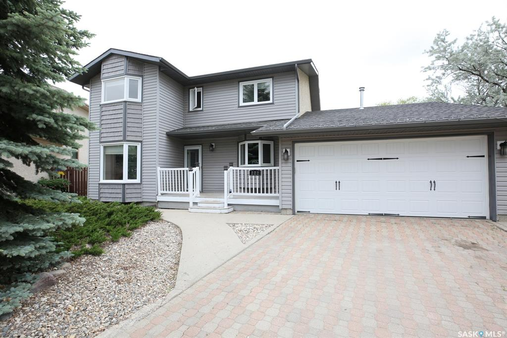 Real Estate Listing MLS SK776939