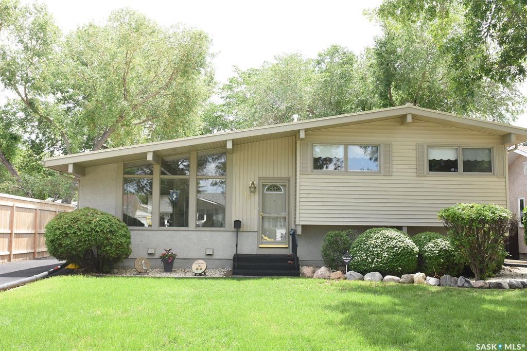 Real Estate Listing MLS SK778231