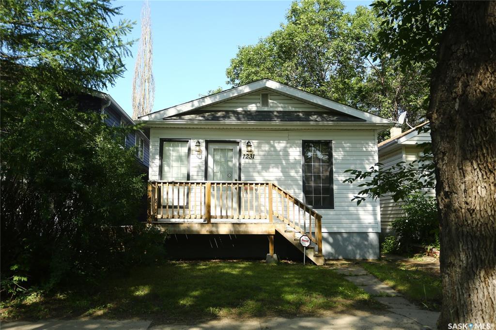 Real Estate Listing MLS SK778893