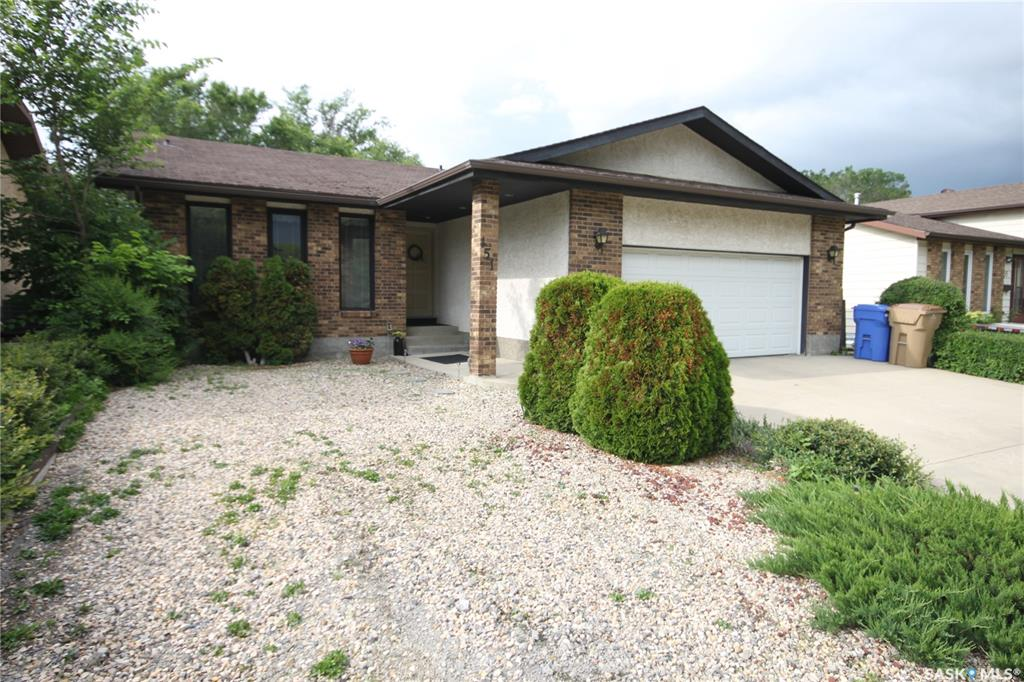 Real Estate Listing MLS SK779541