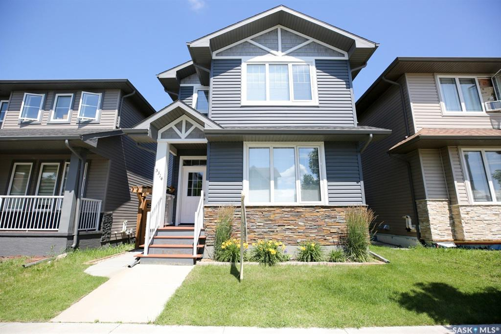 Real Estate Listing MLS SK779623
