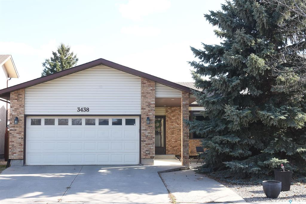 Real Estate Listing MLS SK779972