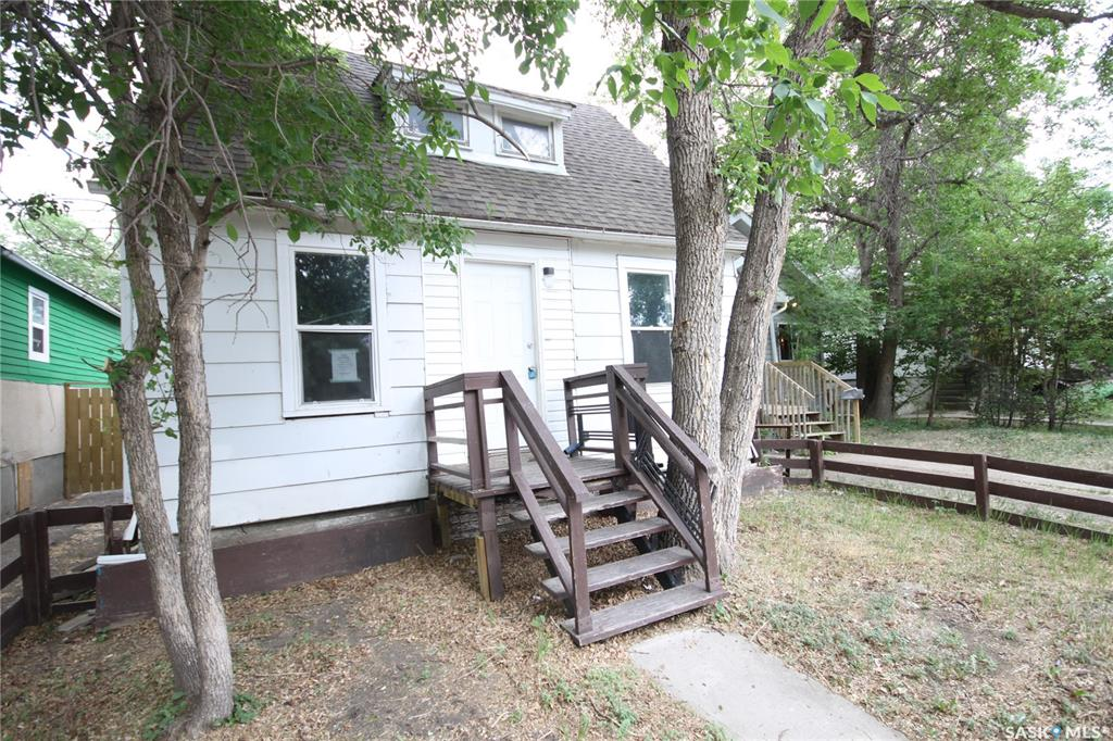 Real Estate Listing MLS SK780023