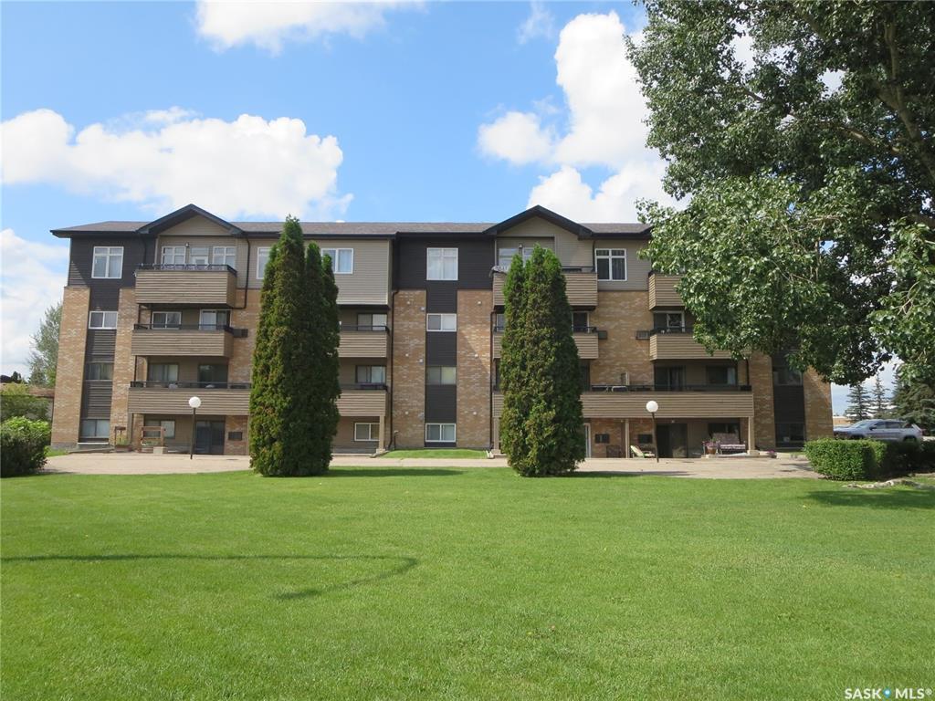 Real Estate Listing MLS SK780146