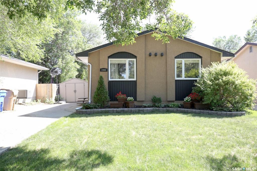 Real Estate Listing MLS SK782090