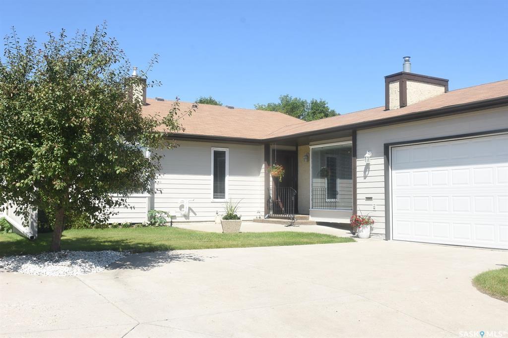 Real Estate Listing MLS SK782138