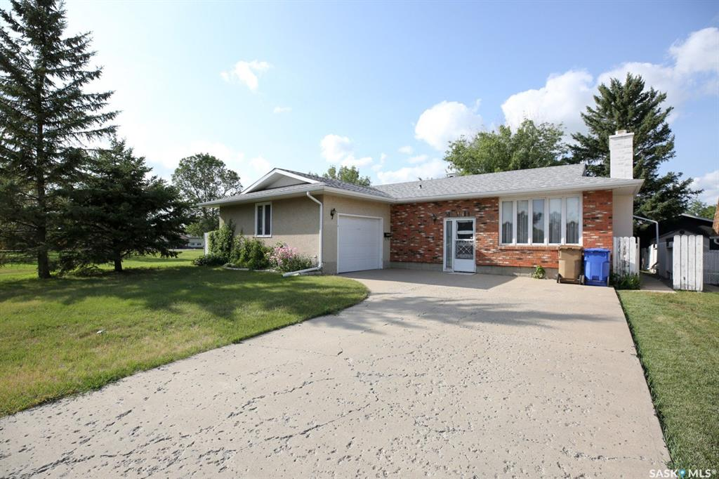 Real Estate Listing MLS SK783725