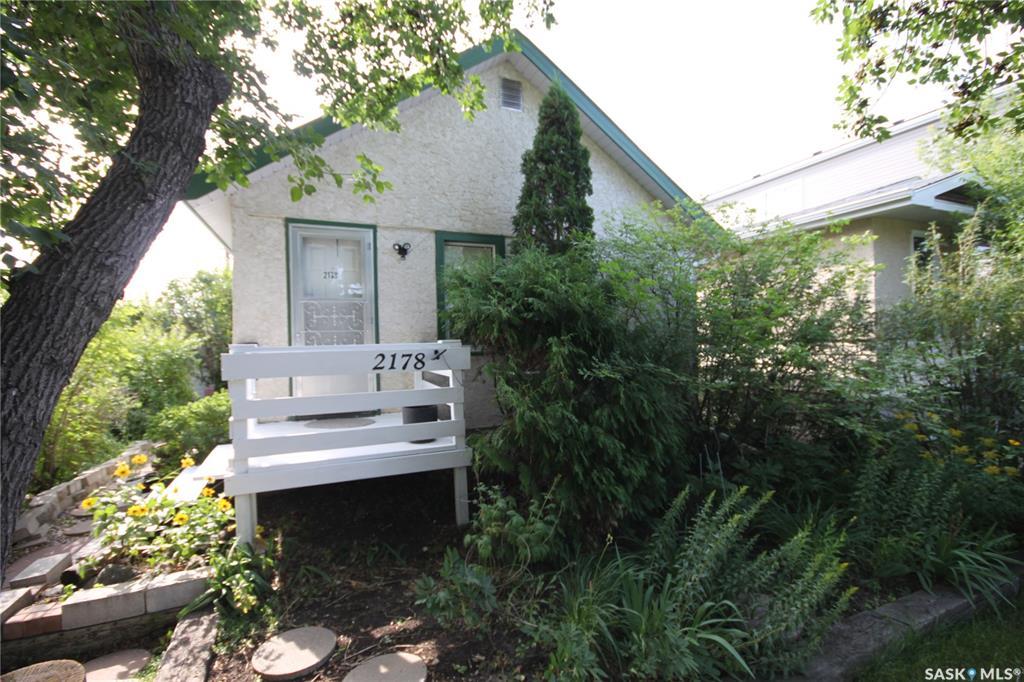 Real Estate Listing MLS SK784054