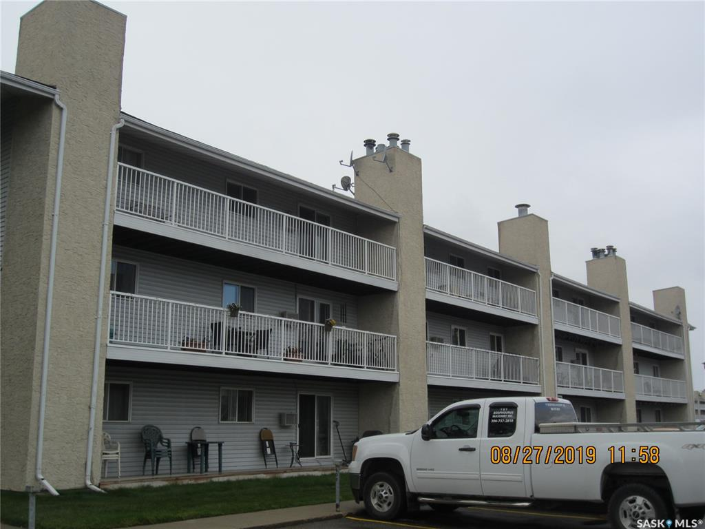 Real Estate Listing MLS SK784522