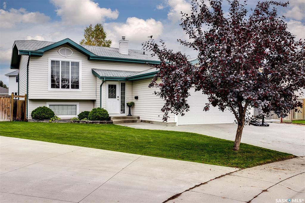Real Estate Listing MLS SK786462