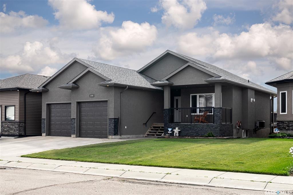 Real Estate Listing MLS SK786484