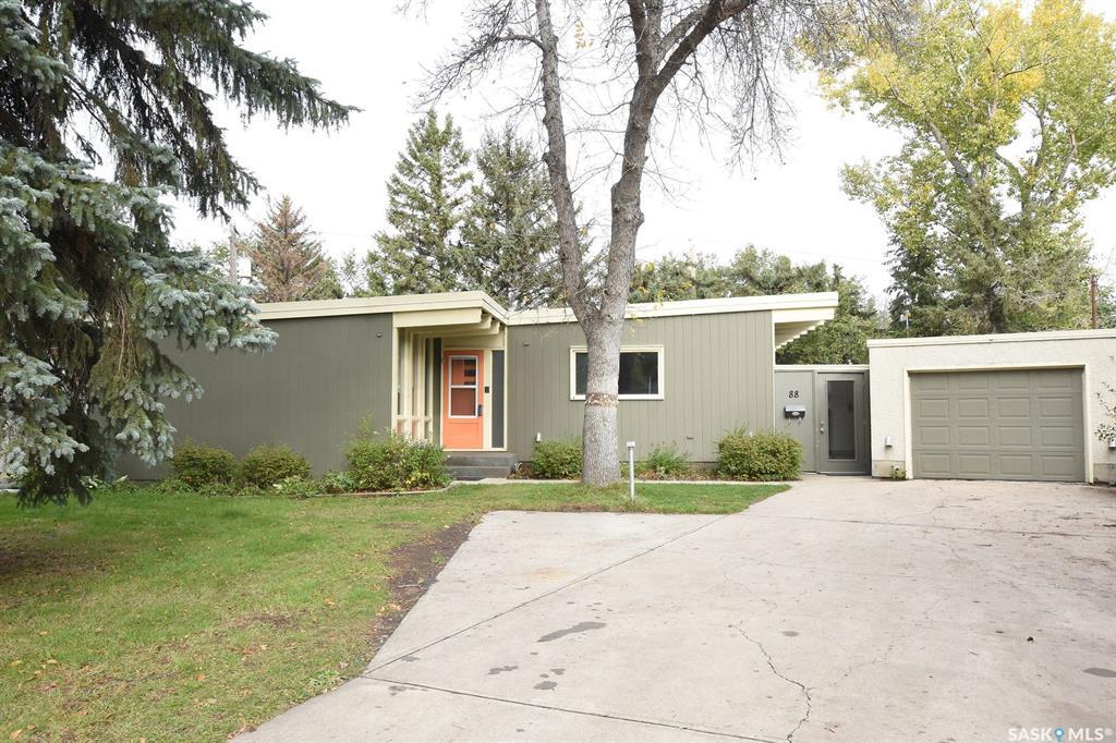 Real Estate Listing MLS SK788558