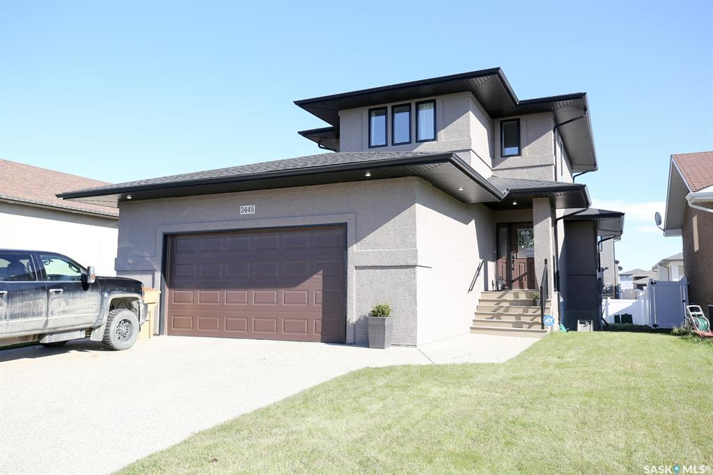 Real Estate Listing MLS SK789207